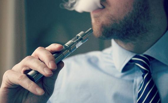 Κανένα ζήτημα με την κυκλοφορία των μη νικοτινούχων υγρών ηλεκτρονικών τσιγάρων